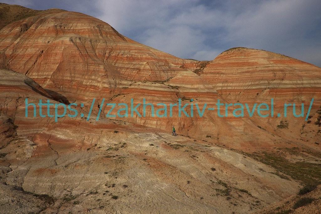 Цветные горы хызы в Азербайджане