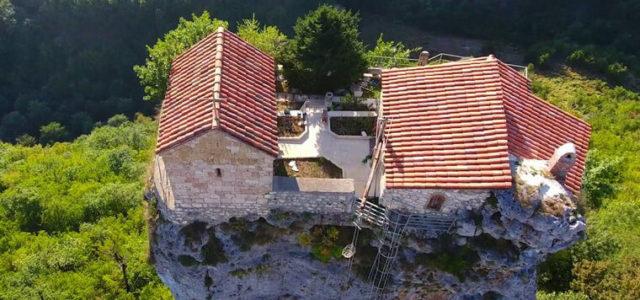 церковь столп кацхи грузия