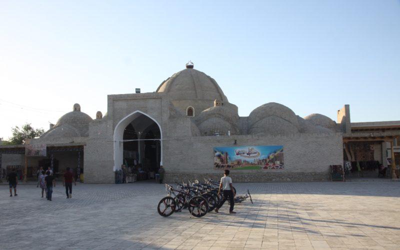 Посещение рынка в Бухаре при поездке в Узбекистан