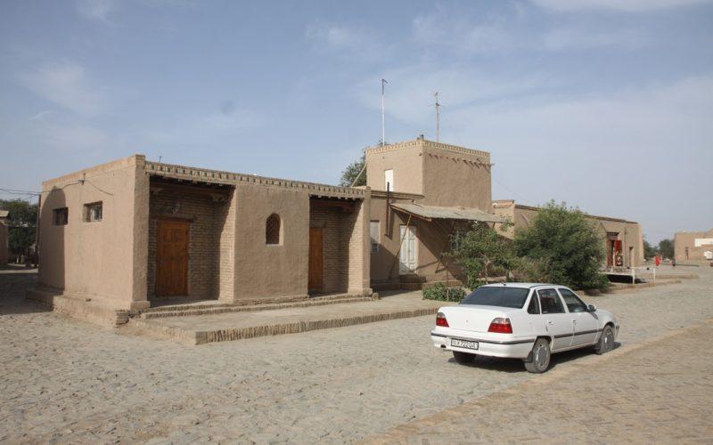жилые строения на территории крепости ичан-кала