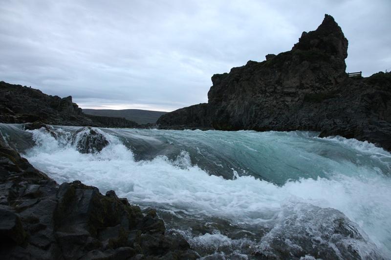 река Скьяульвандафльоут
